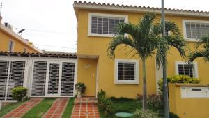 Townhouse En Venta En Guatire, Vista Dorada, Venezuela, VE RAH: 16-8994