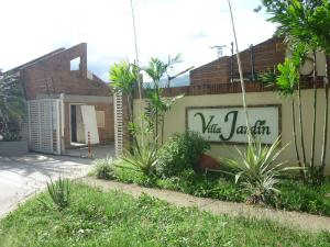 Townhouse En Venta En Municipio San Diego, Trigal De San Diego, Venezuela, VE RAH: 16-8999