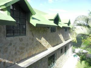 Casa En Venta En Caracas, Colinas De Caicaguana, Venezuela, VE RAH: 16-9000