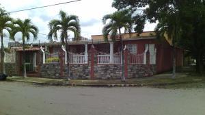 Casa En Venta En Municipio Naguanagua, Los Guayabitos, Venezuela, VE RAH: 16-9001