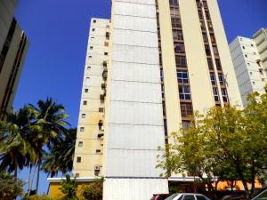 Apartamento En Venta En Maracaibo, Lago Mar Beach, Venezuela, VE RAH: 16-9003