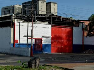 Galpon - Deposito En Venta En Maracay, Avenida Bolivar, Venezuela, VE RAH: 16-6120
