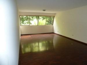 Apartamento En Venta En Caracas - Santa Rosa de Lima Código FLEX: 16-9062 No.1