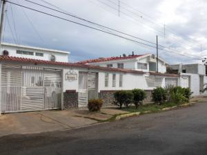 Casa En Venta En Coro, Los Orumos, Venezuela, VE RAH: 16-9095