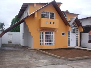 Townhouse En Venta En Ciudad Bolivar, Av San Vicente De Paúl, Venezuela, VE RAH: 16-9134