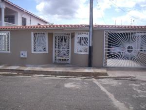 Casa En Venta En Puerto Ordaz, Villa Icabaru, Venezuela, VE RAH: 16-9158