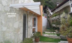 Casa En Venta En Caracas, El Placer, Venezuela, VE RAH: 16-8574