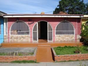 Casa En Venta En Cabudare, El Trigal, Venezuela, VE RAH: 16-9206