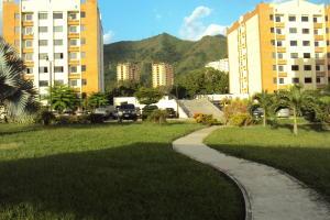 Apartamento En Venta En Municipio Naguanagua, El Rincon, Venezuela, VE RAH: 16-9214