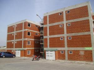 Apartamento En Venta En Guatire, Guatire, Venezuela, VE RAH: 16-9260