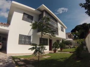 Casa En Venta En Caracas, La Trinidad, Venezuela, VE RAH: 16-9299