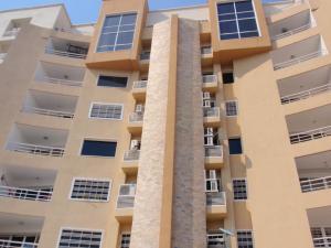 Apartamento En Venta En Maracay, Los Chaguaramos, Venezuela, VE RAH: 16-9300