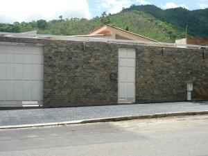 Casa En Venta En Valencia, Trigal Centro, Venezuela, VE RAH: 16-9355