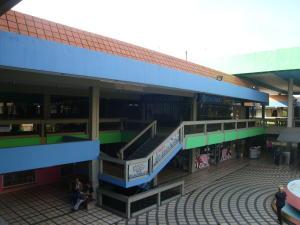 Local Comercial En Venta En Maracay, Avenida Aragua, Venezuela, VE RAH: 16-9317
