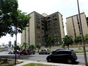 Apartamento En Venta En Maracay, Base Aragua, Venezuela, VE RAH: 16-9321