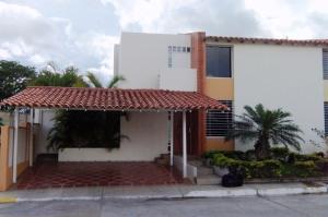 Casa En Venta En Cabudare, Parroquia José Gregorio, Venezuela, VE RAH: 16-9345