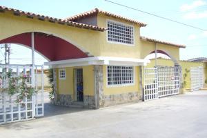 Casa En Ventaen Margarita, Avenida Juan Bautista Arismendi, Venezuela, VE RAH: 16-9378