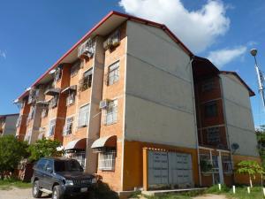 Apartamento En Venta En Maracay, Madre Maria, Venezuela, VE RAH: 16-9383