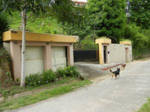 Casa En Venta En Caracas, Karimao Country, Venezuela, VE RAH: 16-9402