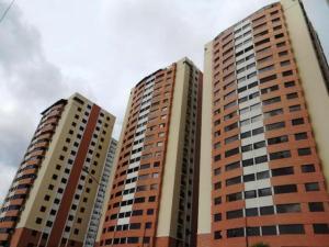 Apartamento En Venta En Municipio Naguanagua, Palma Real, Venezuela, VE RAH: 16-9423