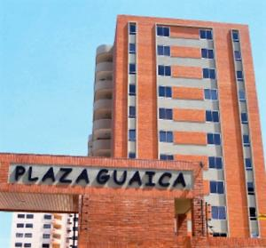 Apartamento En Venta En Lecheria, Calle Arismendi, Venezuela, VE RAH: 16-9431