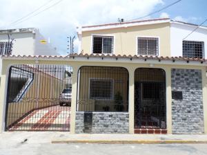 Casa En Venta En Cabudare, Parroquia José Gregorio, Venezuela, VE RAH: 16-9447