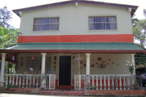 Casa En Ventaen Los Teques, Municipio Guaicaipuro, Venezuela, VE RAH: 16-9449