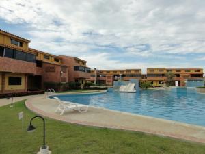 Apartamento En Venta En Chichiriviche, Flamingo, Venezuela, VE RAH: 16-9453