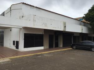 Local Comercial En Venta En Maracaibo, Circunvalacion Dos, Venezuela, VE RAH: 16-9458