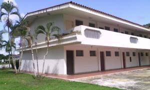 Apartamento En Venta En Rio Chico, Las Mercedes De Paparo, Venezuela, VE RAH: 16-9439