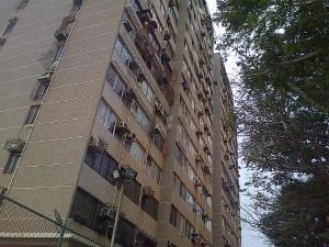 Apartamento En Venta En Maracaibo, Monte Claro, Venezuela, VE RAH: 16-9475