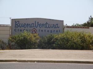 Apartamento En Venta En Municipio Los Guayos, Los Guayos, Venezuela, VE RAH: 16-9476