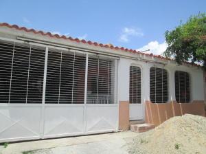 Casa En Venta En Guacara, Tesoro Del Indio, Venezuela, VE RAH: 16-9491