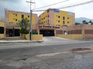 Apartamento En Venta En Maracay, El Limon, Venezuela, VE RAH: 16-9504