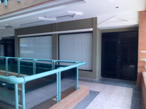 Local Comercial En Venta En Punto Fijo, Puerta Maraven, Venezuela, VE RAH: 16-9515