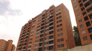 Apartamento En Venta En Caracas, Colinas De La Tahona, Venezuela, VE RAH: 16-9518