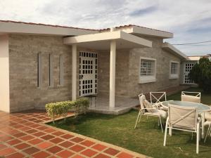 Casa En Venta En Punto Fijo, Zarabon, Venezuela, VE RAH: 16-9535