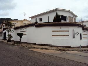 Casa En Venta En Valencia, El Parral, Venezuela, VE RAH: 16-9597