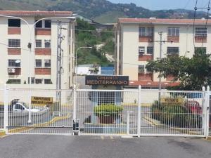 Apartamento En Venta En Charallave, Santa Rosa De Charallave, Venezuela, VE RAH: 16-11459