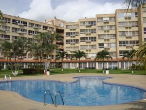Apartamento En Venta En Higuerote, Agua Sal, Venezuela, VE RAH: 16-9633