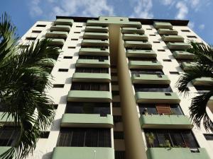 Apartamento En Venta En Valencia, Valles De Camoruco, Venezuela, VE RAH: 16-9645
