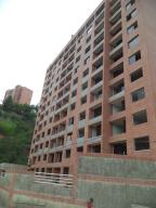 Apartamento En Venta En Caracas, Colinas De La Tahona, Venezuela, VE RAH: 16-9659