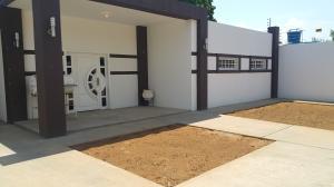Casa En Venta En Municipio San Francisco, Sierra Maestra, Venezuela, VE RAH: 16-9666
