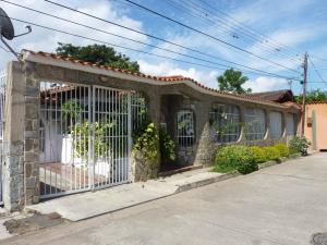 Casa En Venta En La Victoria, La Mora Ii, Venezuela, VE RAH: 16-9669