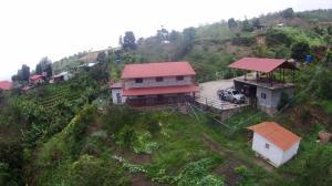 Casa En Venta En Los Teques, El Jarillo, Venezuela, VE RAH: 16-9715