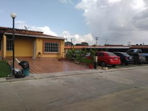 Casa En Venta En Municipio San Diego, Valle De Oro, Venezuela, VE RAH: 16-9703