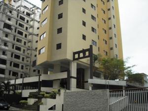 Apartamento En Venta En Valencia, El Bosque, Venezuela, VE RAH: 16-9717