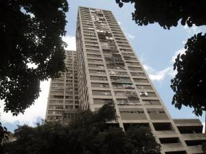 Apartamento En Venta En Caracas, Parque Carabobo, Venezuela, VE RAH: 16-9745