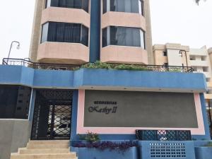 Apartamento En Venta En Lecheria, Calle Arismendi, Venezuela, VE RAH: 16-9757
