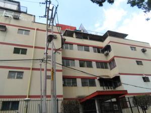 Apartamento En Venta En Valencia, Parroquia San Jose, Venezuela, VE RAH: 16-9759